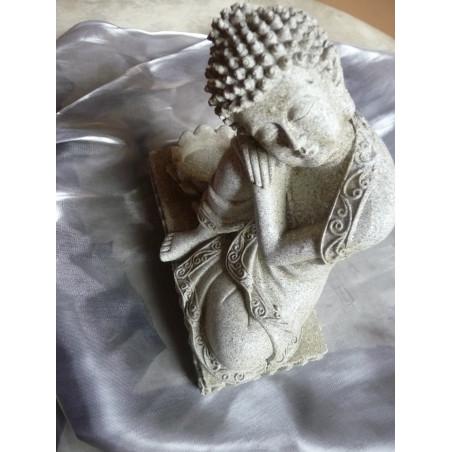 Kamienny Budda z podstawką na świeczkę